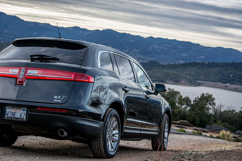 Lincoln MKT sedan overlooking Lake Hennessey in Napa Valley