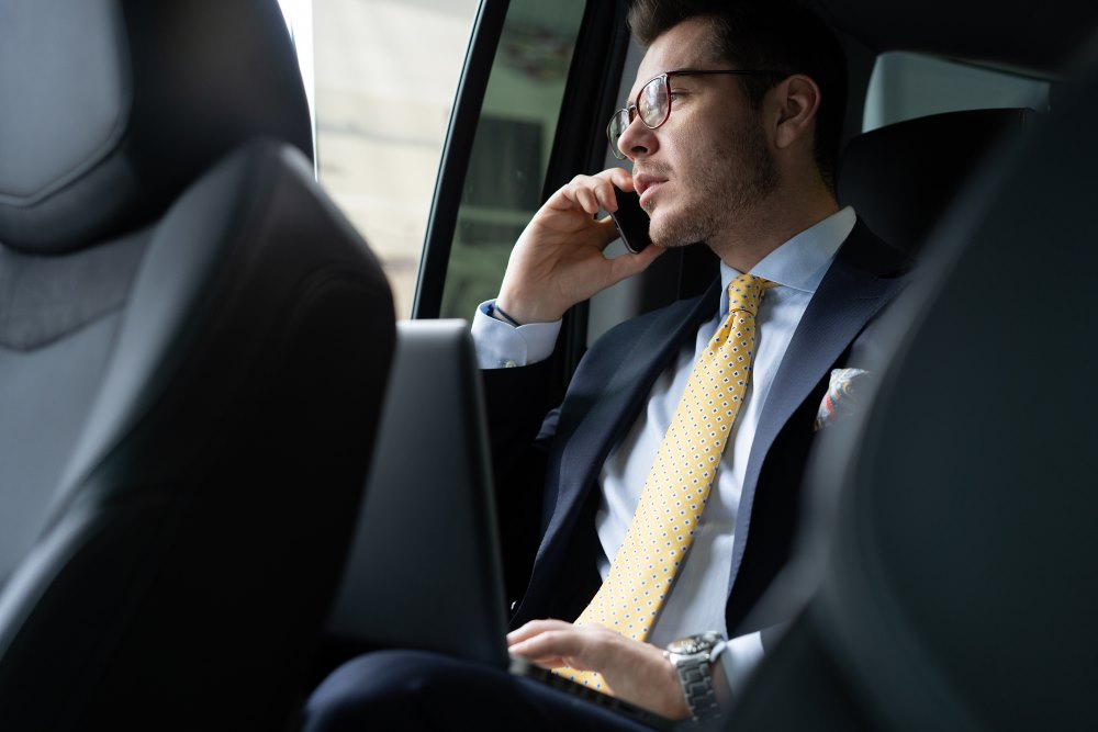 Benefits of Choosing a Chauffeur Service Over Ridesharing
